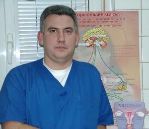 Д-р Светослав Манев